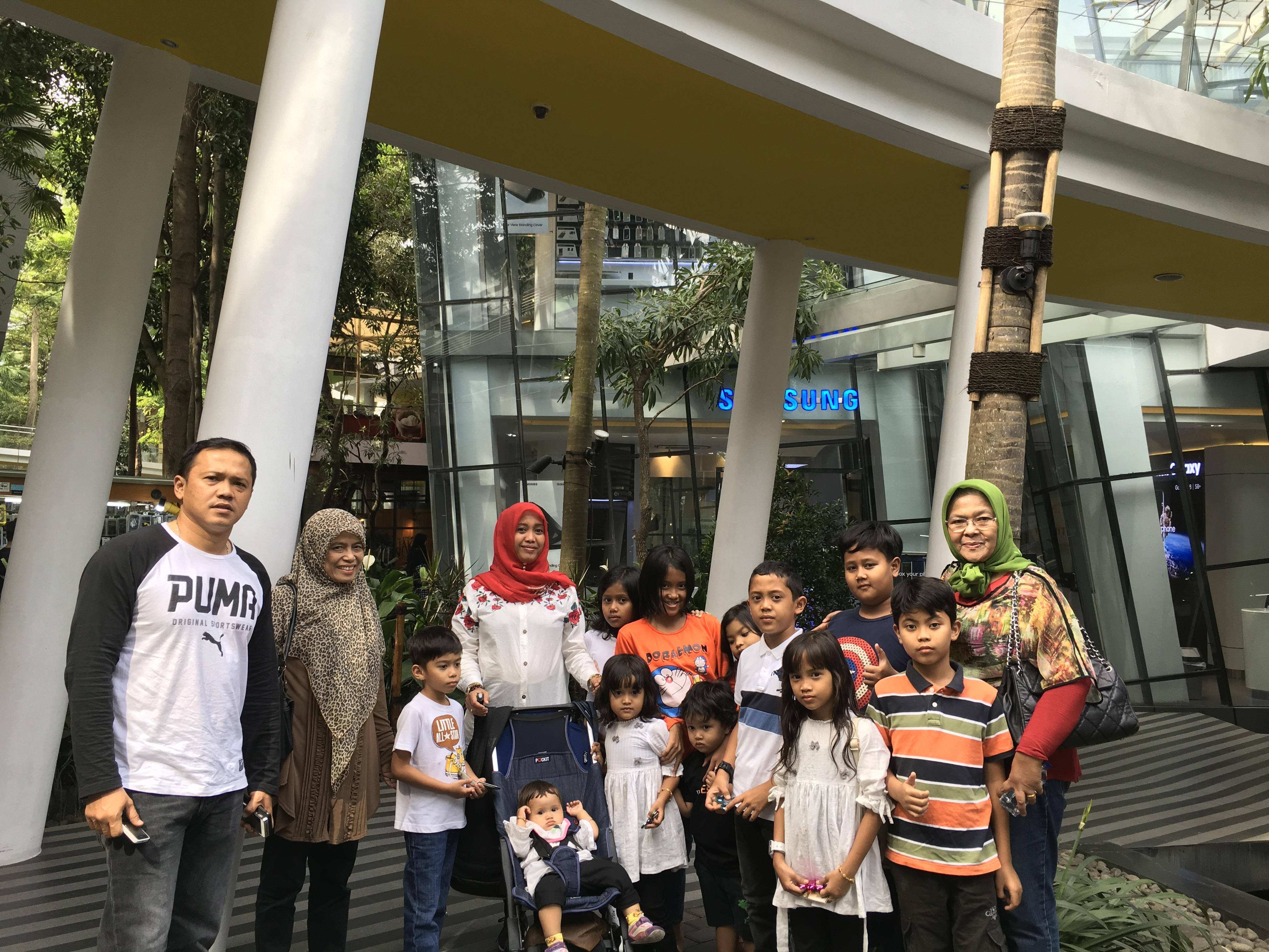 Keluarga Hengki-Afni Bandung